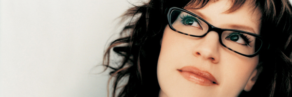 Artist Interview: 1-on-1 with Lisa Loeb