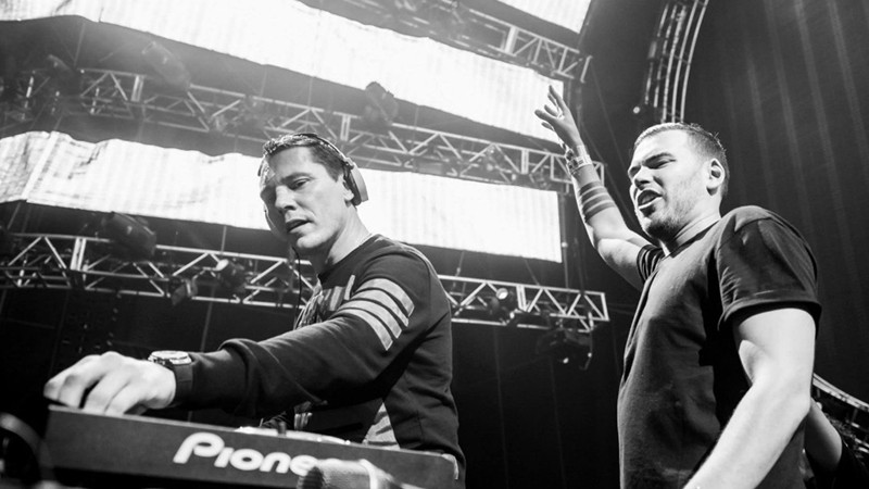 "Tiësto and The Chainsmokers ""Split (Only U)"" Out Now via Musical Freedom"