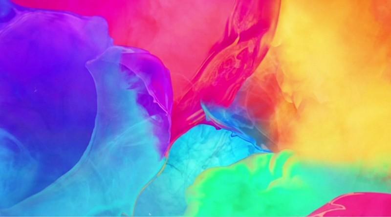 "Avicii Delivers Video for ""Broken Arrows"" featuring Zac Brown"