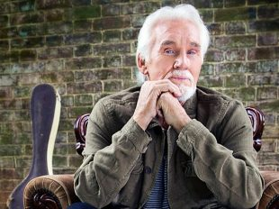 Kenny Rogers to be Inducted into Music City Walk of Fame